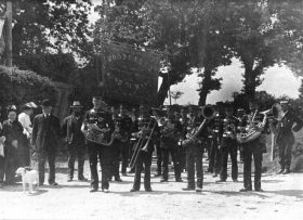 c. 1904 Proudly displaying the Band of Hope banner