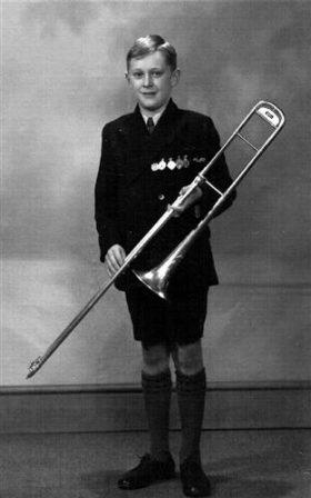 1934 - Basil Shelley