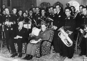 1952 - Presentation